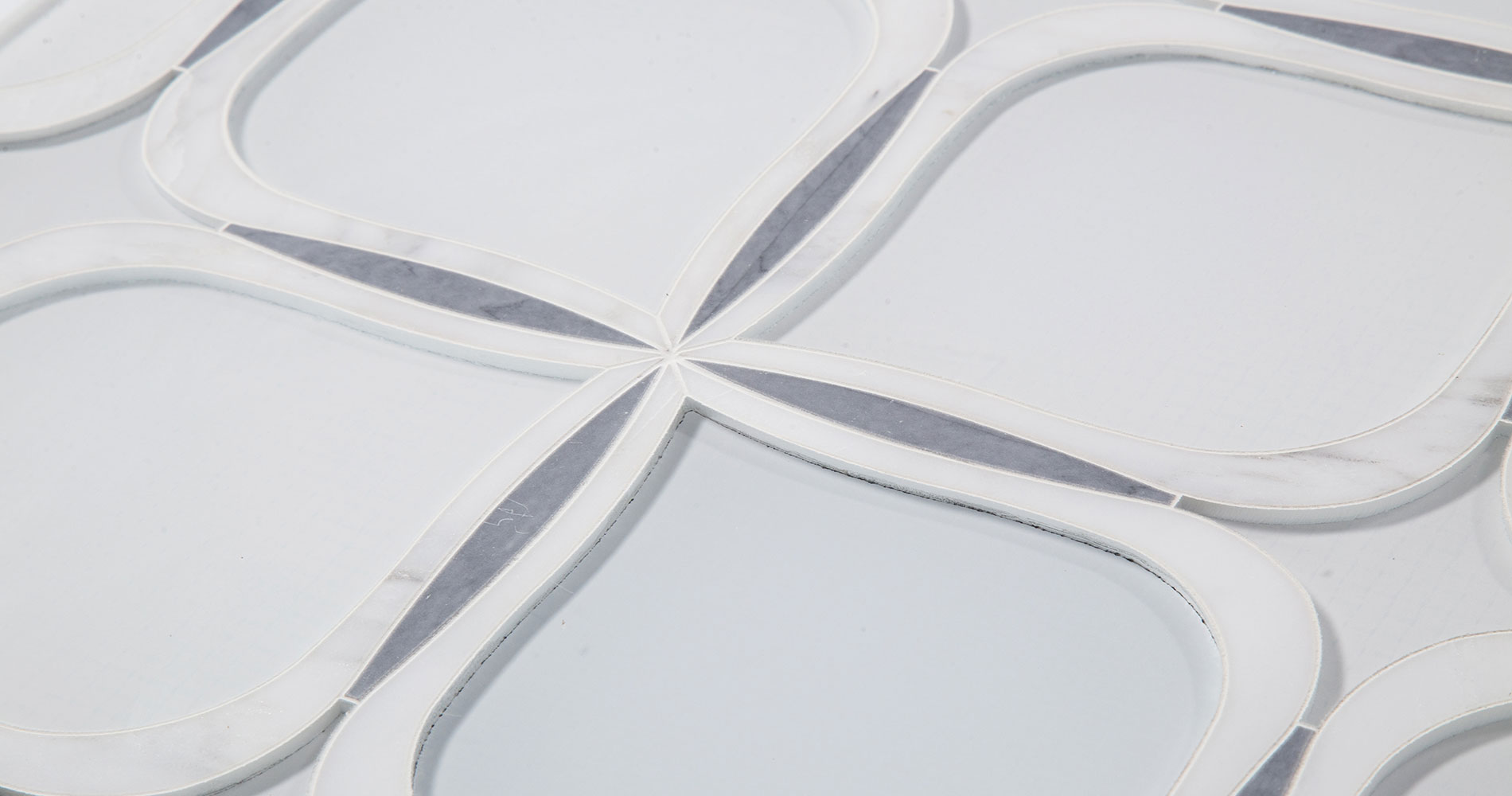 CTR-DS-725B-Latin-Gray-Statuary-White-Crystal-Glass-Aurora