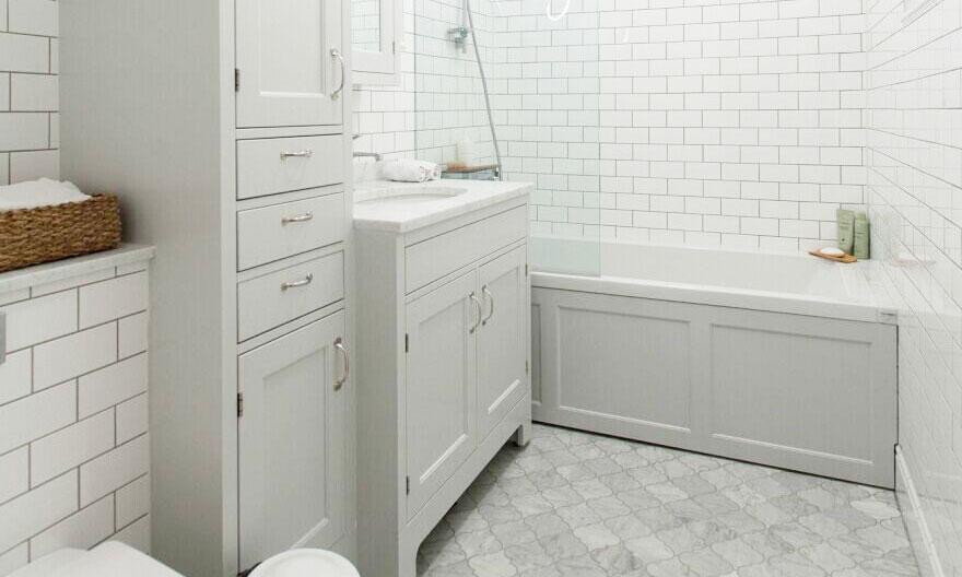 centurymosaic-project-Carrara-Arabesque-Mosaic-Bathroom-Floor-Design